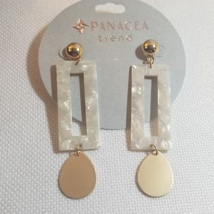 NWT Panacea Ivory Rectangular and Gold Earrings